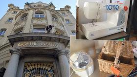Praha má první půjčovnu věcí. V Goetheho institutu seženete košík na piknik i šicí stroj