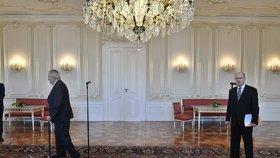 Prezident Miloš Zeman předčasně odešel z tiskové konference s premiérem Bohuslavem Sobotkou (ČSSD)