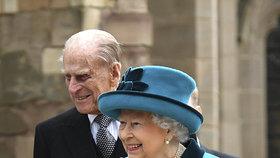 Philip s Alžbětou na letošní velikonoční bohoslužbě ve Windsoru