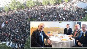 Masivní protest v Praze a prezident Miloš Zeman v Liberci s koaličními lídry - zleva Andrej Babiš, Milan Chovanec a Pavel Bělobrádek