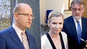 Premiér Sobotka přijal rezignaci ministryně Valachové. Jejím nástupcem se má stát její náměstek Stanislav Štech (vpravo).