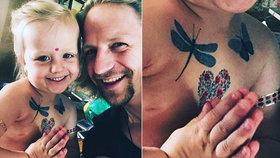 Čtyřletá dcera Tomáše Kluse: Na hrudníčku má tetování!