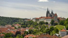 Pražský hrad se kompletně uzavřel. Kvůli svátku mají turisté smůlu
