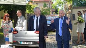 Střípky z oslavy 76. narozenin Václava Klause