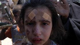 Islamisté nutí rodiny zůstat v Mosulu, uprchlíkům zabíjí děti