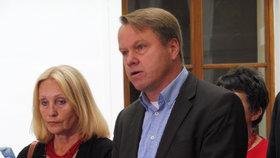 Kalouskova TOP 09 spojila síly s bursíkovci: Martin Bursík se rozhodl nekandidovat, Olga Sommerová (vlevo) ano.