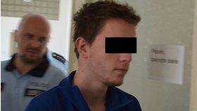 Bratrovražda: Mladík obviněný z ubodání brášky (†8) se přiznal a lituje! Je ve vazbě