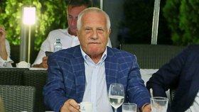 Exprezident Klaus na tenisové párty