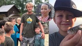 Rybář Vágner se stará o syna Prachařové Kryšpína: Týden péče za deset tisíc