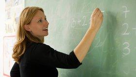 První prázdninový měsíc se na Úřadu práce přihlásily dva tisíce učitelů, nikdo ale neví proč (ilustrace).