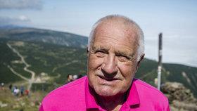Svatovavřineckou pouť na Sněžku si nenechal 10. srpna 2017 ujít ani Václav Klaus
