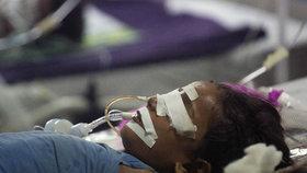 Ředitel nemocnice v severoindickém státě Uttarpradéš, kde tento týden zemřelo 60 dětí, byl propuštěn.