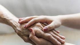 Ruce jsou naší vizitkou. Proto bychom neměly zanedbávat péči o ně