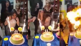 Holčička chytla od svíček na dortu a proměnila se v ohnivou kouli.
