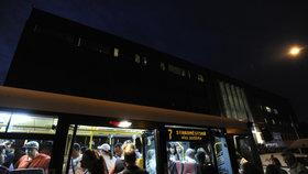 Noční spoje v Praze pojedou jinou trasou. Nově přibude autobusová linka 913