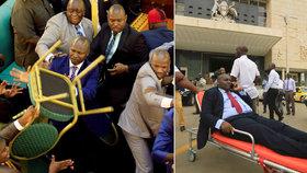 Poslanci se porvali v parlamentu kvůli věku prezidenta. Létaly židle i pěsti