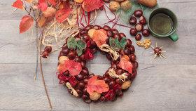Podzimní dekorace: Návod na věnec z kaštanů, který zvládne vyrobit každý