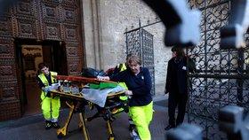 Španělského turistu zabil v bazilice ve Florencii padající kus kamenné výzdoby.