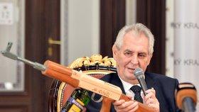 Zeman rozjíždí nové krajské turné. Kdo mu nezaplatí, toho stihne trest
