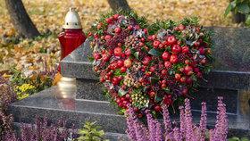 Dekorace na hrob může mít různou podobu. Inspirujte se a vyrobte si vlastní dušičkovou výzdobu.