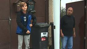 Školáci zvonili na zvonky, jeden ale utéct nestačil. Rozzlobený muž držel Michala půl hodiny v domě