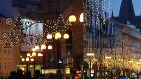 Prahu rozzáří vánoční osvětlení za statisíce. Jen v centru vyjde na 1,8 milionu korun