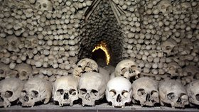 Archeologové našli v Kutné Hoře evropský unikát. V hromadných hrobech leželo 1500 těl