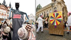 """Dvoumetrová vagina i """"Pinďolíno"""": Karnevalový průvod Prahou upozornil na společenské problémy"""