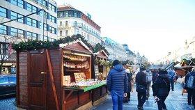 Na vánoční trhy na Václaváku s naditou peněženkou: Za medovinu tu zaplatíte 90 korun