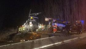 Vlak ve Francii smetl školní autobus. Na přejezdu umíraly děti