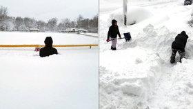 Vánoční nadílka v Pensylvánii: Město zmizelo pod sněhem, napadlo 130 cm