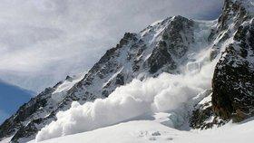 Další tragédie na horách: V italském středisku zabila lavina dva lyžaře