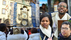 Zklamání pod orlojem: Zahraniční, ale i domácí turisté neví, že slavný hodinový stroj stojí