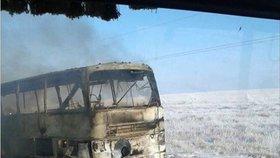 Autobus plný lidí začal hořet: 52 mrtvých, přežilo jen pět šťastlivců