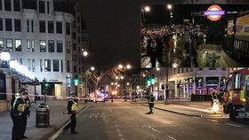 Chaos a panika v centru Londýna. Evakuovali 1450 lidí kvůli úniku plynu