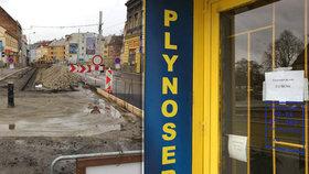 """""""Je to katastrofa!"""" Uzavírka Zenklovy ulice drtí místní podnikatele, někteří už zavřeli"""