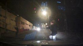 VIDEO Noční drama v ulicích Ústí: Opilý a zfetovaný mladík pálil z pistole kolem sebe