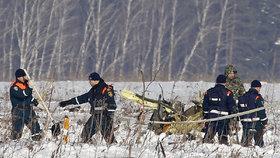 Za smrt 71 lidí v ruském letadle mohli piloti, ukazuje vyšetřování. Nechali zamrznout snímače