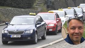 """Další protest taxikářů? """"Forma správná není, měli by se zaměřit spíš na instituce,"""" říká majitel Modrého anděla"""