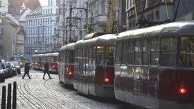Dopravní »šlamastyka« v centru Prahy: Kvůli prasklé koleji nejezdily tramvaje