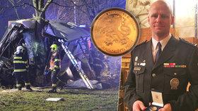 """Policista Martin (38) vytahoval raněné z »autobusu smrti«. """"Hlavou se mi honilo, že jim musím pomoct,"""" říká"""