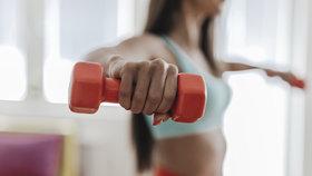 Jak konečně zhubnout díky domácímu cvičení? Tohle by vám mohlo pomoci!
