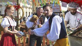 Kam o víkendu v Praze: Na velikonoční zábavu na Staromák i na Vepřobraní