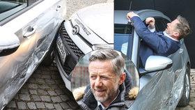 Langmajer fingoval bouračku! Z bouraného auta se drápal okýnkem!