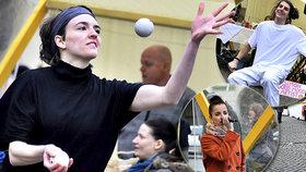 Koncerty i žonglérské show: UMtrh zahájil sezónu na Malostranském náměstí