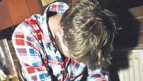Řidič autobusu v Domažlicích se vyděsil, nemohl probrat pasažéra: Ten byl totálně na mol