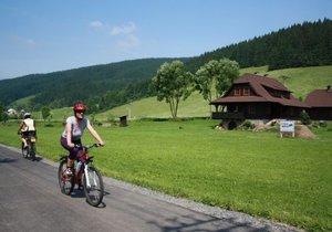 Kraje si hýčkají cyklisty. Do stezek a zázemí investují stovky milionů