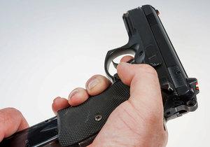 Zbraně zabijí v USA 1300 dětí ročně, 5800 je zraněno: Přibývá počet vražd i sebevražd