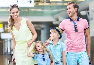 7 tipů pro pohodovou dovolenou: Jak ušetřit, zkrátit čekání a nenechat se okrást?