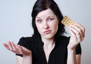 Češky přestávají brát antikoncepci: Tabletky v lékárnách nejdou na odbyt